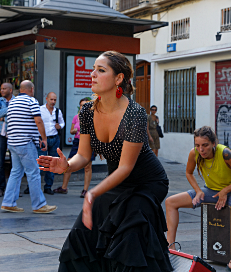 Street and Cave Flamenco - Flamenco Busker in Granada