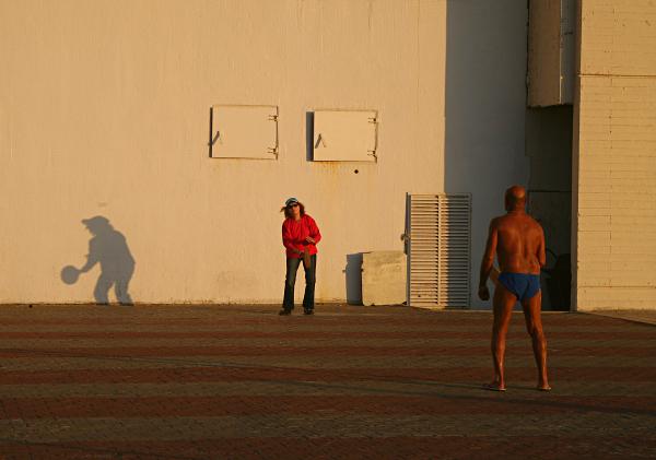 Tel Aviv on the Sandy Beach - Mixed Sex Beach Paddleball, Matkot